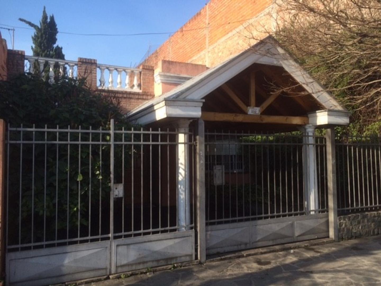 Casa de 3 ambientes, Quilmes