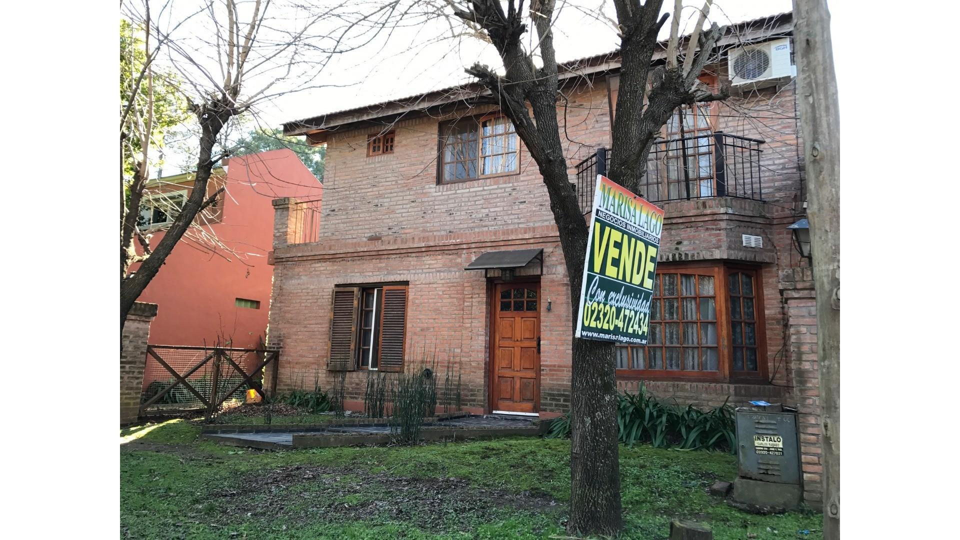 Amplia casa en venta en Barrio Montecarlo!!!