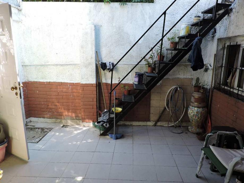 Venta de casa ph con 2 dormitorios en zona barrio de Quilmes Centro