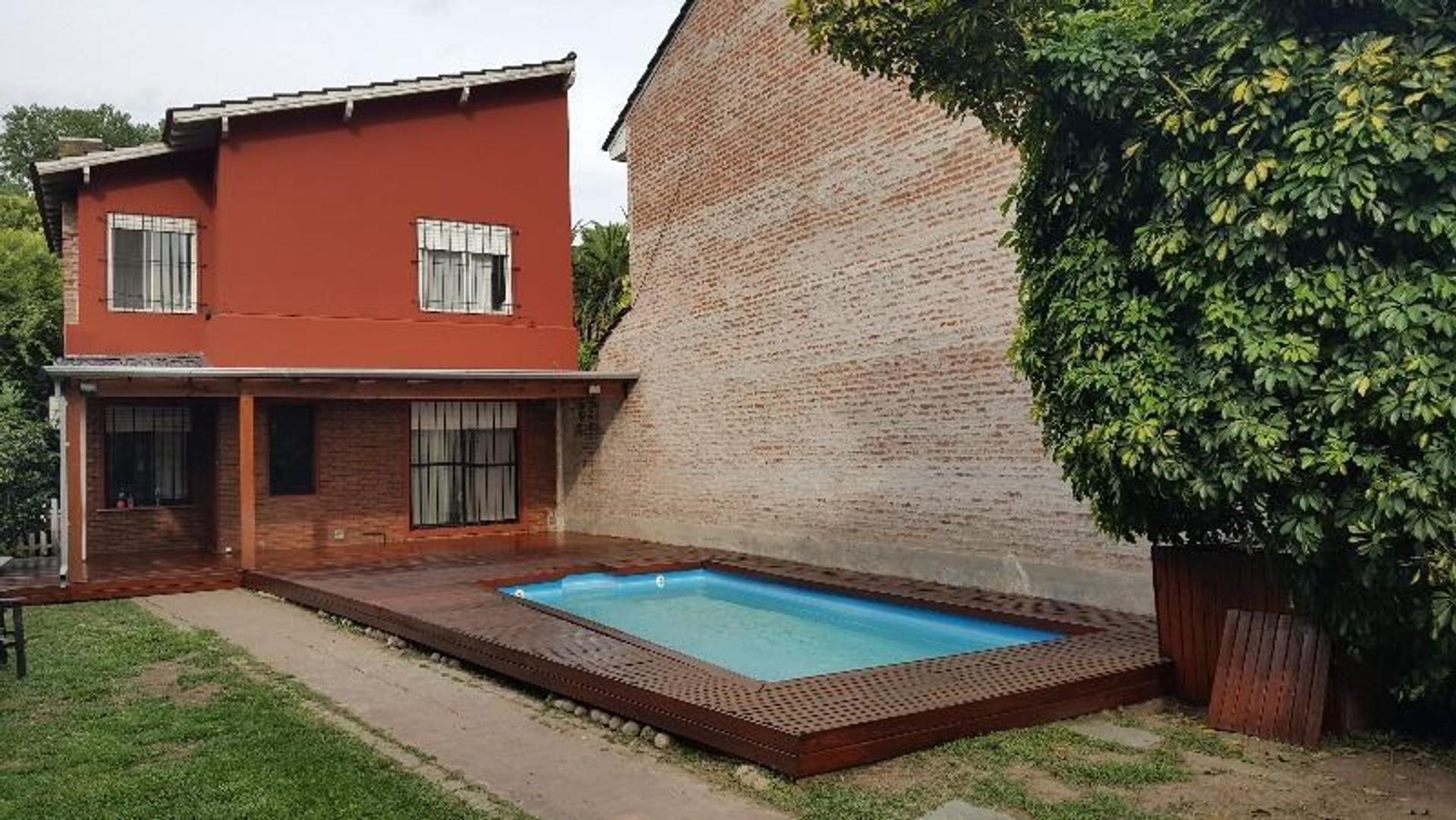 Excelente zona, Lindísima casa de 3 dormitorios, gran jardín, quincho, parrilla y pileta