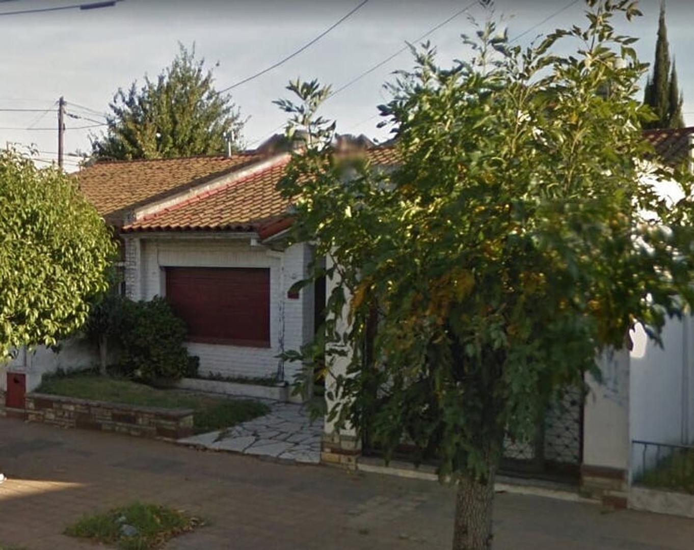 ARIETA 777 ( VILLA LUZURIAGA), Casa Americana 3 ambientes con local 205.000 USD