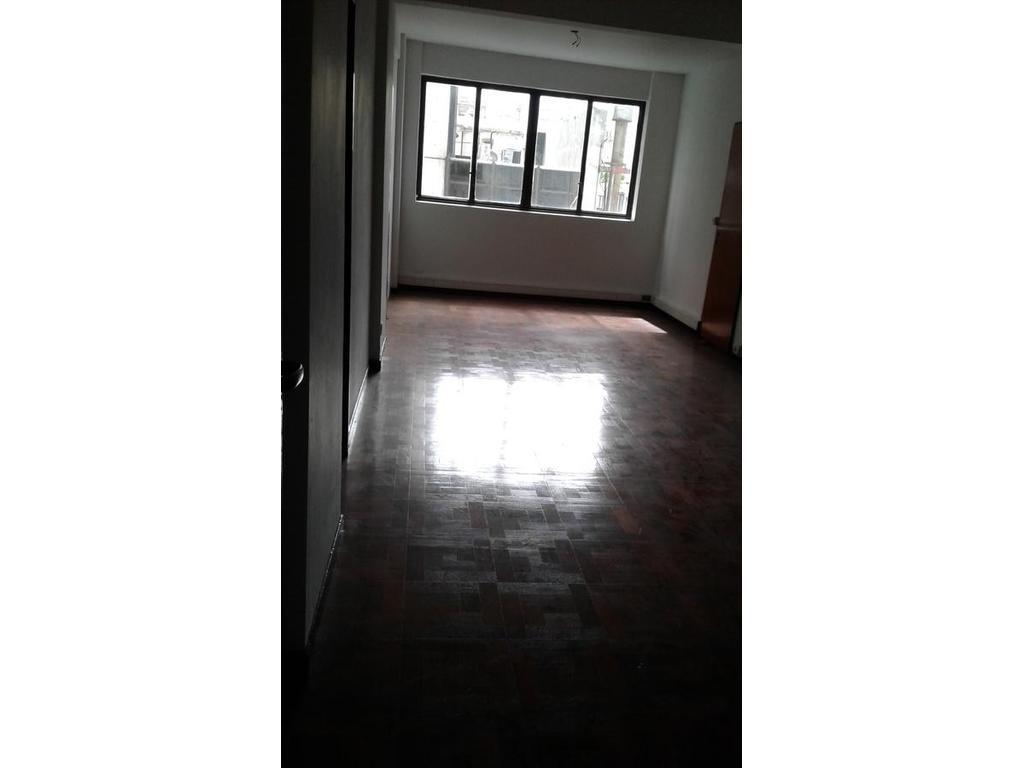 Alquiler de oficina 80 m2 en Montserrat