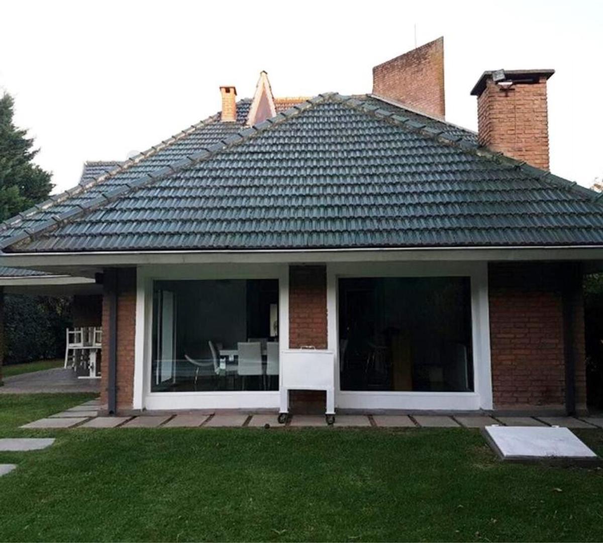 Casa en Alquiler Por Temporada - 5 ambientes - $ 220.000