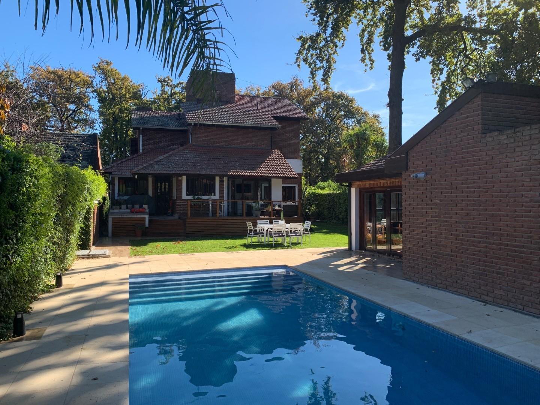 Casa en Venta en Pinos De Anchorena - 8 ambientes