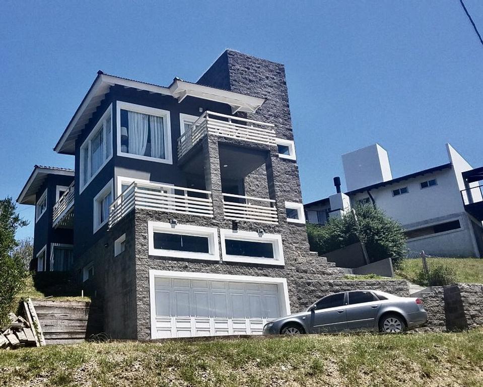 Gran casa con vista al mar