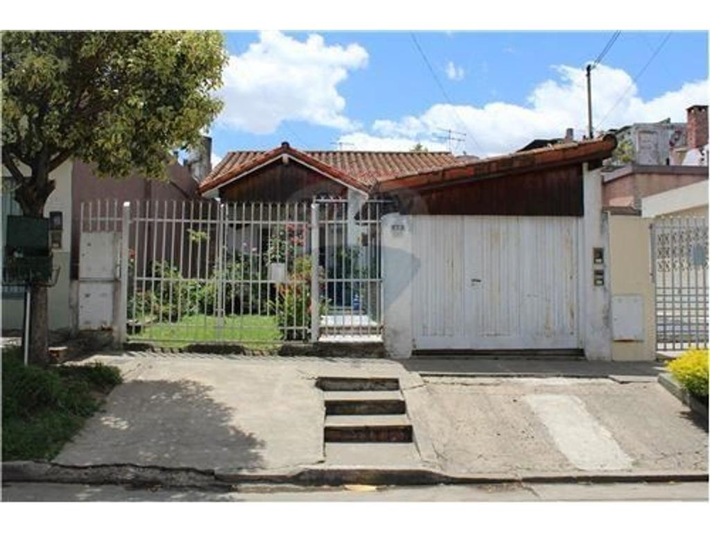 Casa en venta en zarate 5300 villa ballester inmuebles for Jardin belen villa ballester