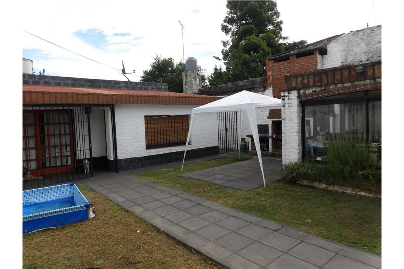 Hermosa Casa de 3 dormitorios, Parque y Garaje