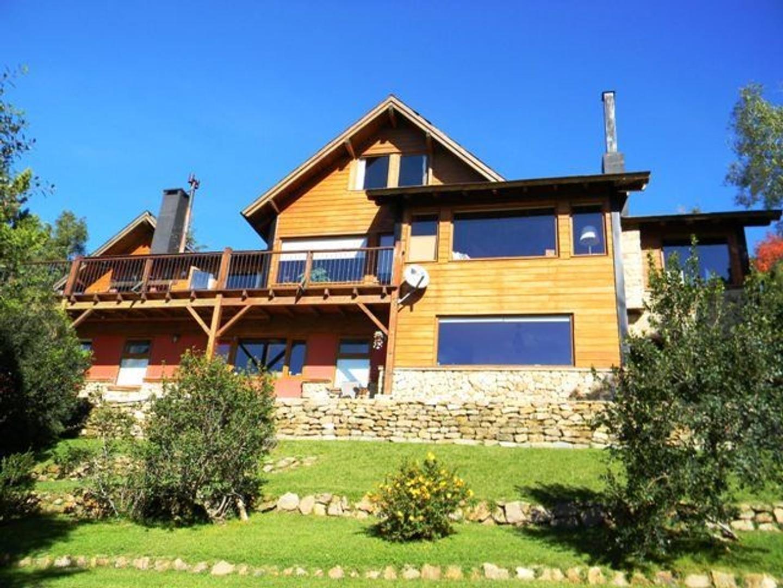 Excelente casa a minutos del centro de Bariloche.Vista panoramica al lago Nahuel
