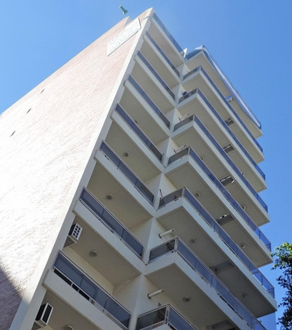 Oportunidad Dpto. 1 Dormitorio, Balcón, Luminoso, AA.