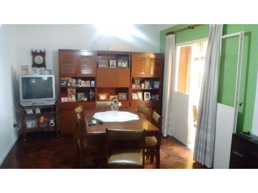 Departamento de 4 ambientes Excelente Estado. Villa Ceilna