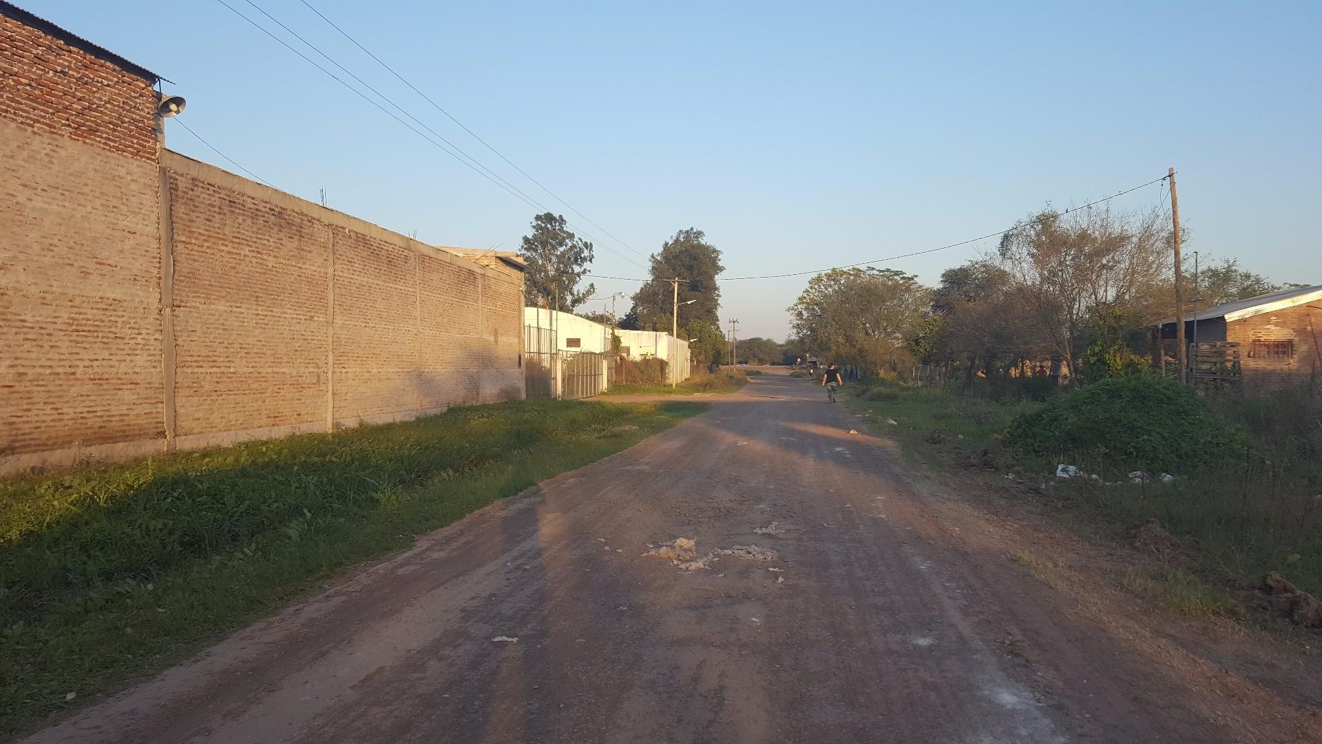 Terreno 10x40 a 120 mts. de Rta. 11 kM.1001 (entrada de Barrio Carpincho Macho) 0362-154826003