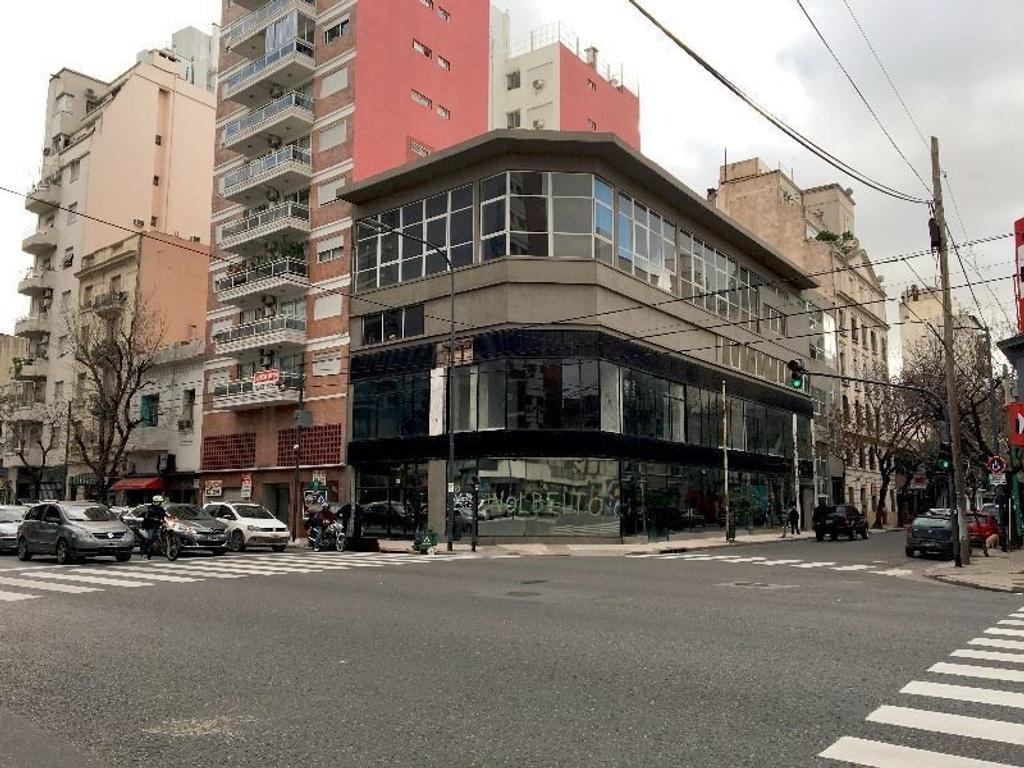 Av. San Juan 2201, Capital Federal - Edificio en Block