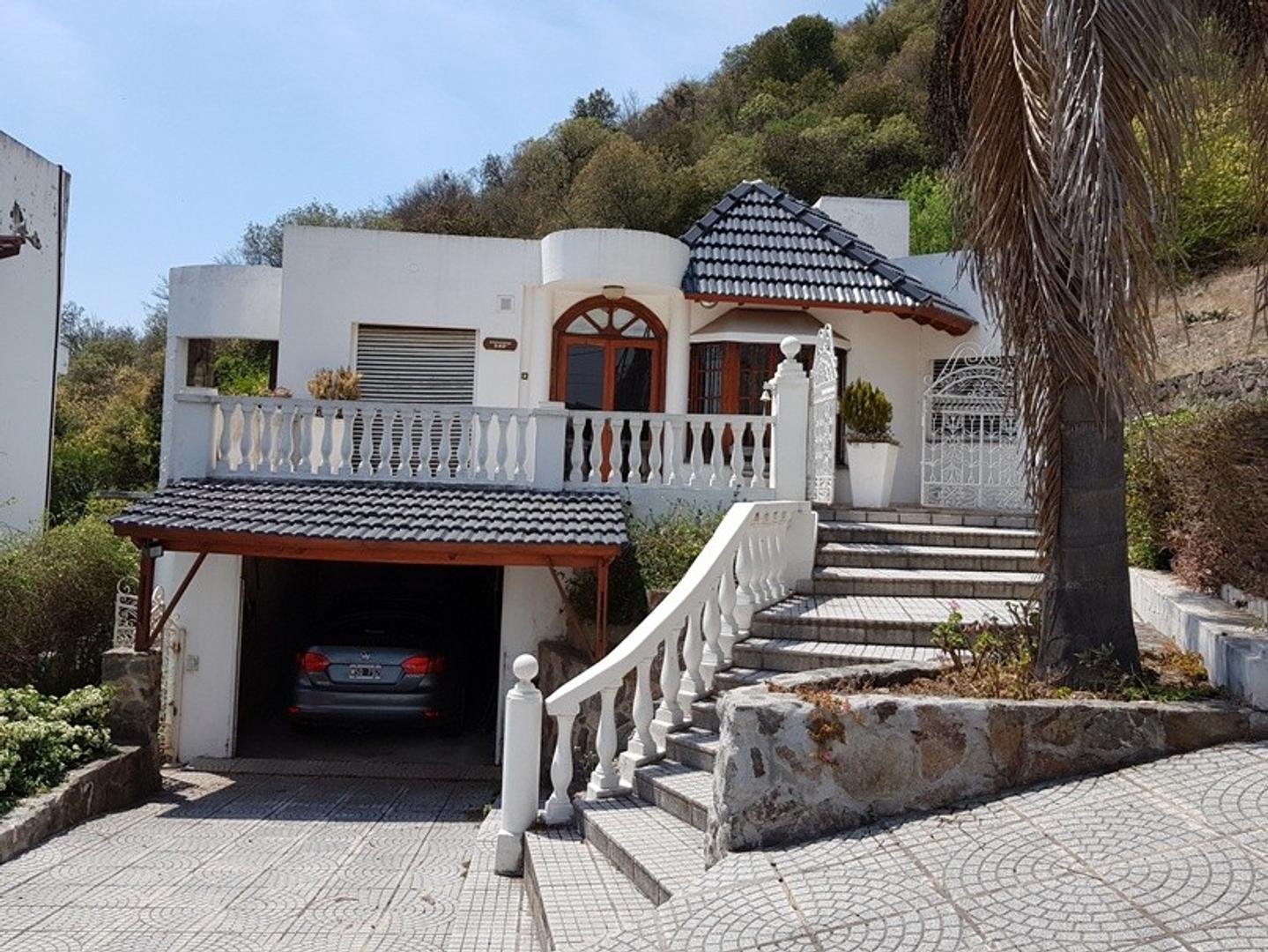 Casa - 200 m²   2 dormitorios   1 año