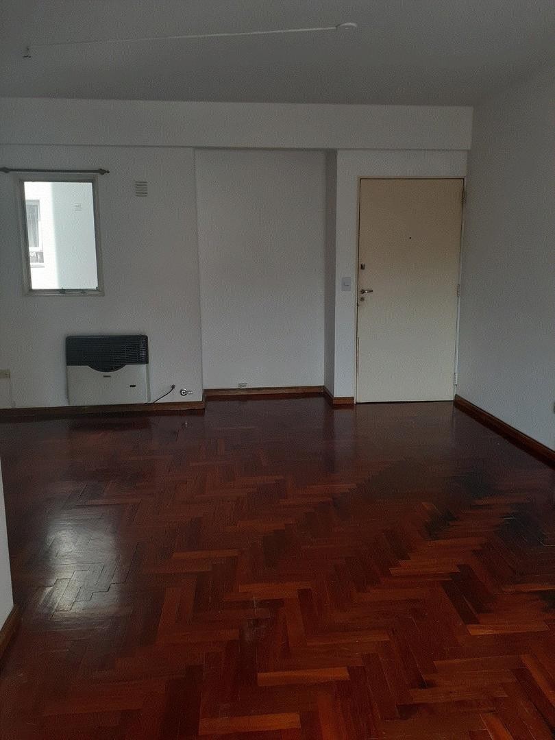 Carlos Calvo 3200, Piso 2 - 3 ambientes