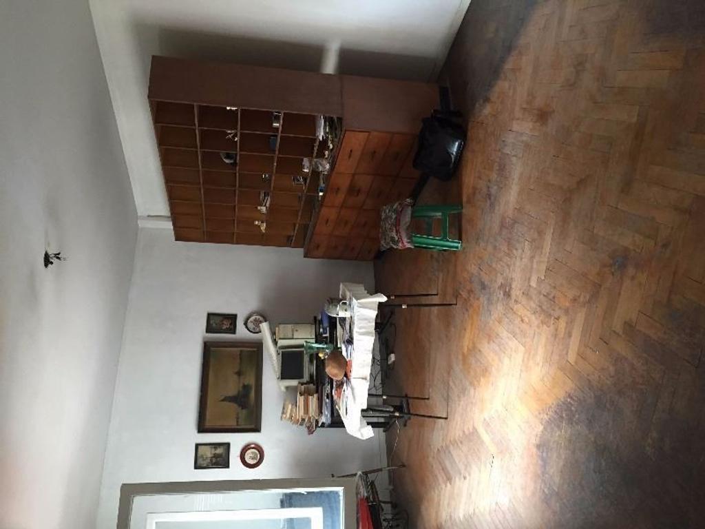 FLORES, MUY BUENA UBICACION,CARACAS 200. DEPARTAMENTO 3 AMB, 72 m2