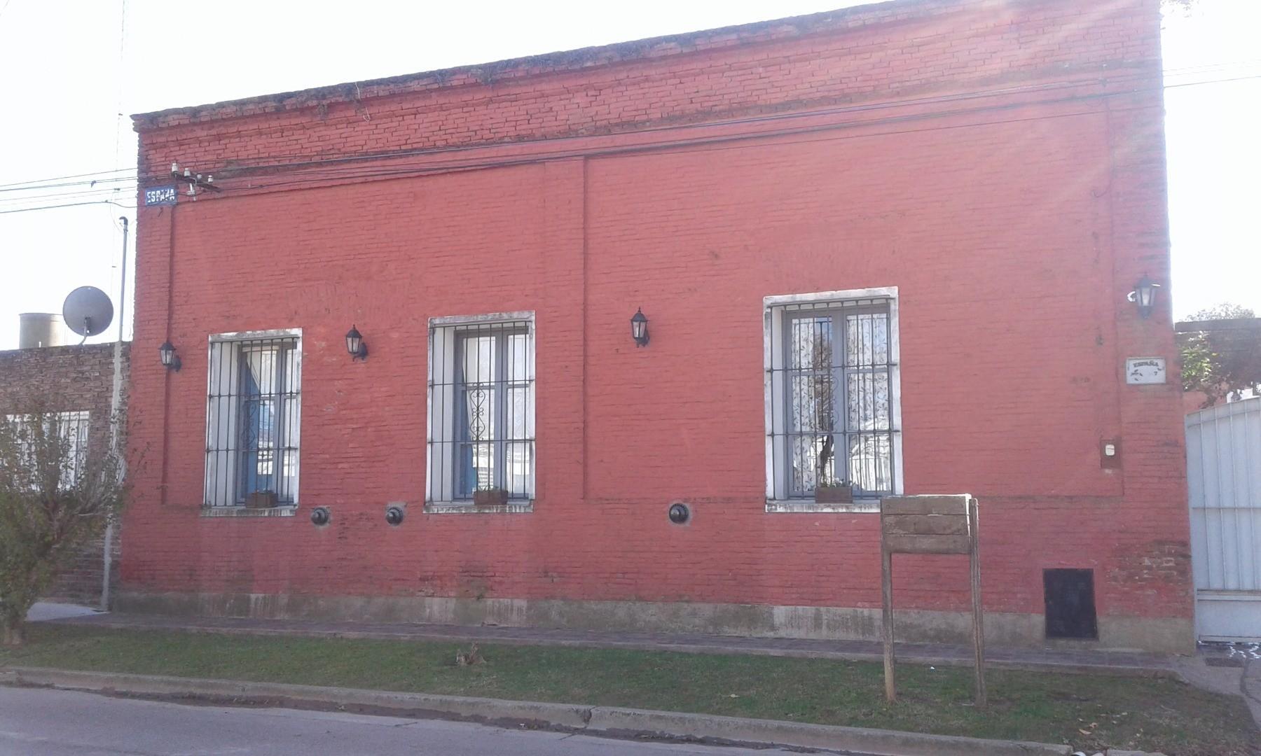 Casa en Venta en San Antonio De Areco - 4 ambientes