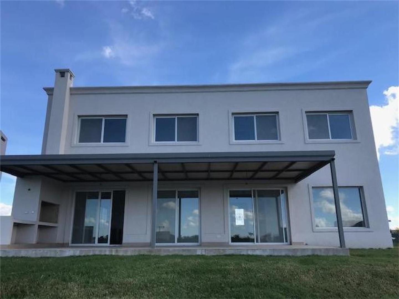 Casa en Venta en Puertos del Lago - 6 ambientes