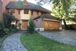 Excelente casa,  lote de 1000 m2 de  Libertador al río!!