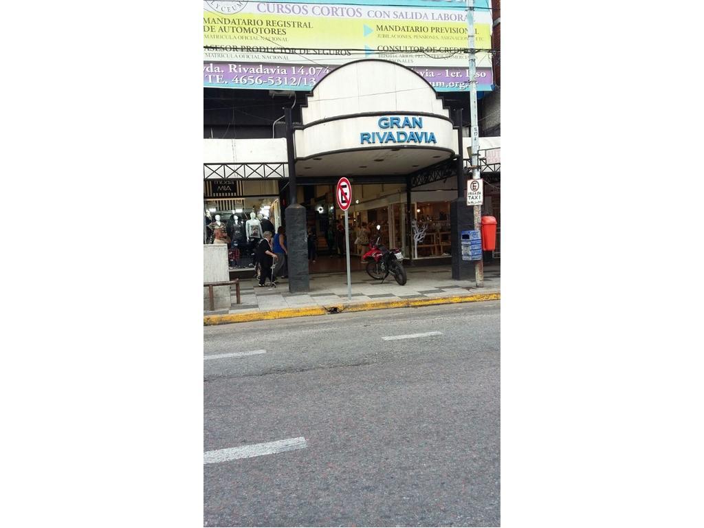 Importante local en Galería Gran Rivadavia, en el centro de Ramos Mejía