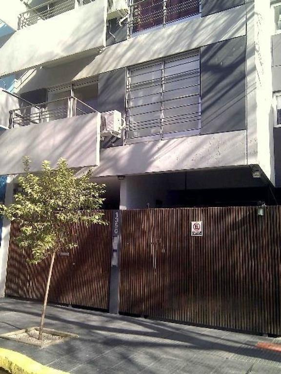 Excelente Monoambiente de 38 m2 divisble en Villa Crespo luz y sol. Parrilla
