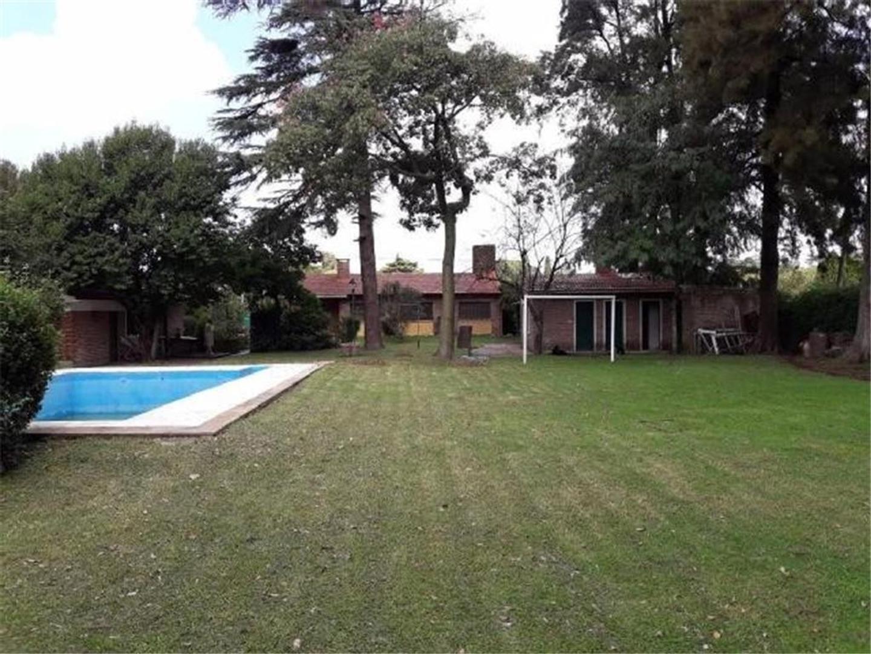 Hermosa casa quinta en La Reja- centro-