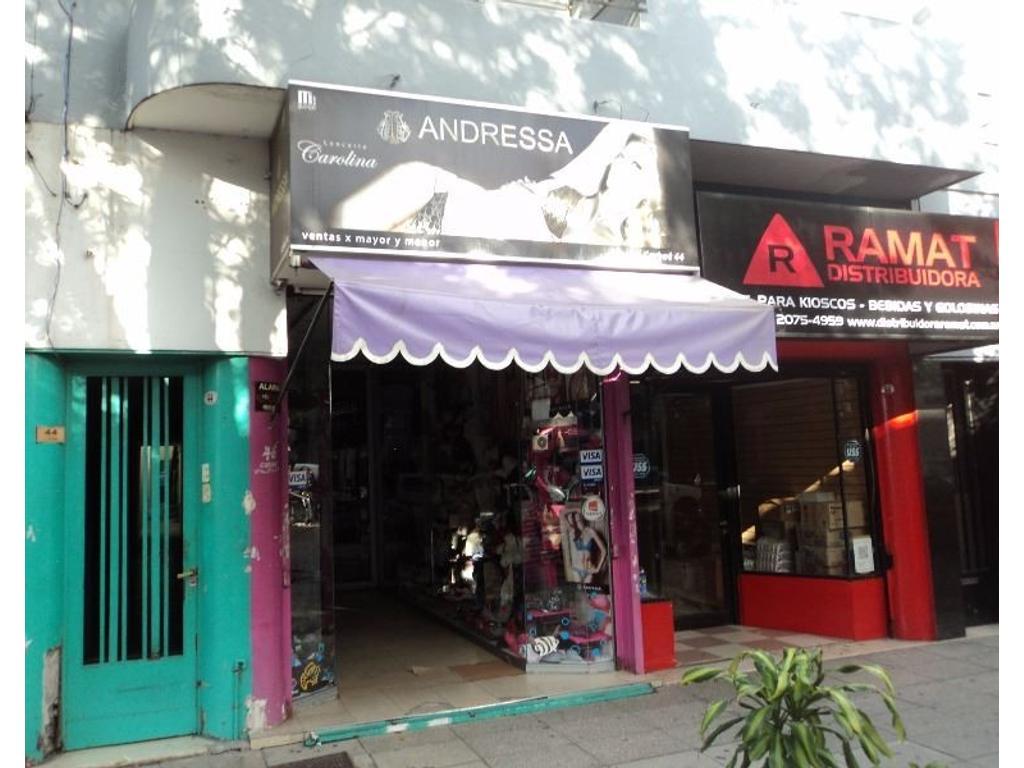 Excelente local en foco comercial de Liniers