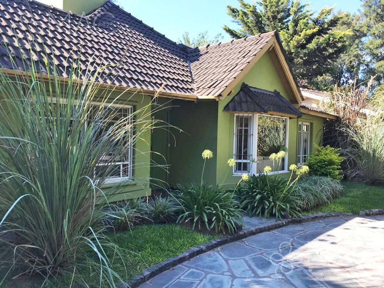 Casa en Venta en La Cascada Country Club - 4 ambientes