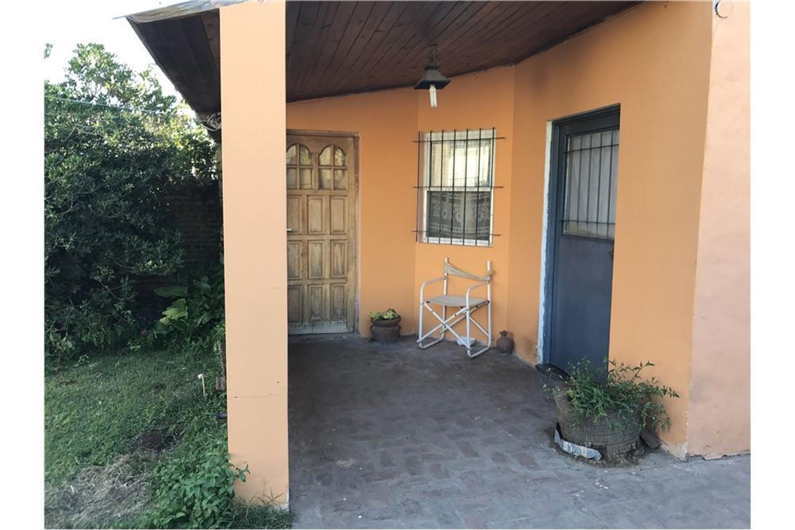 Casa con Terreno , ideal para inversor