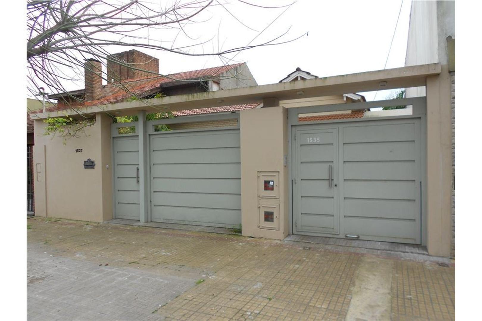 Casa en ph de 2 dormitorios en La Plata