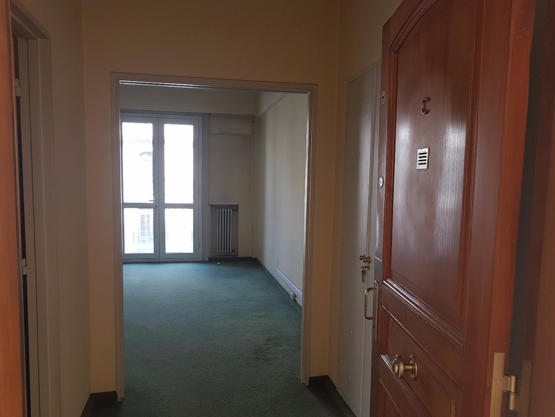 Bolivar y Belgrano Fte 48 m². Á - Trab. + 1 Despach. - Bño.completo- Vigil.24hs.