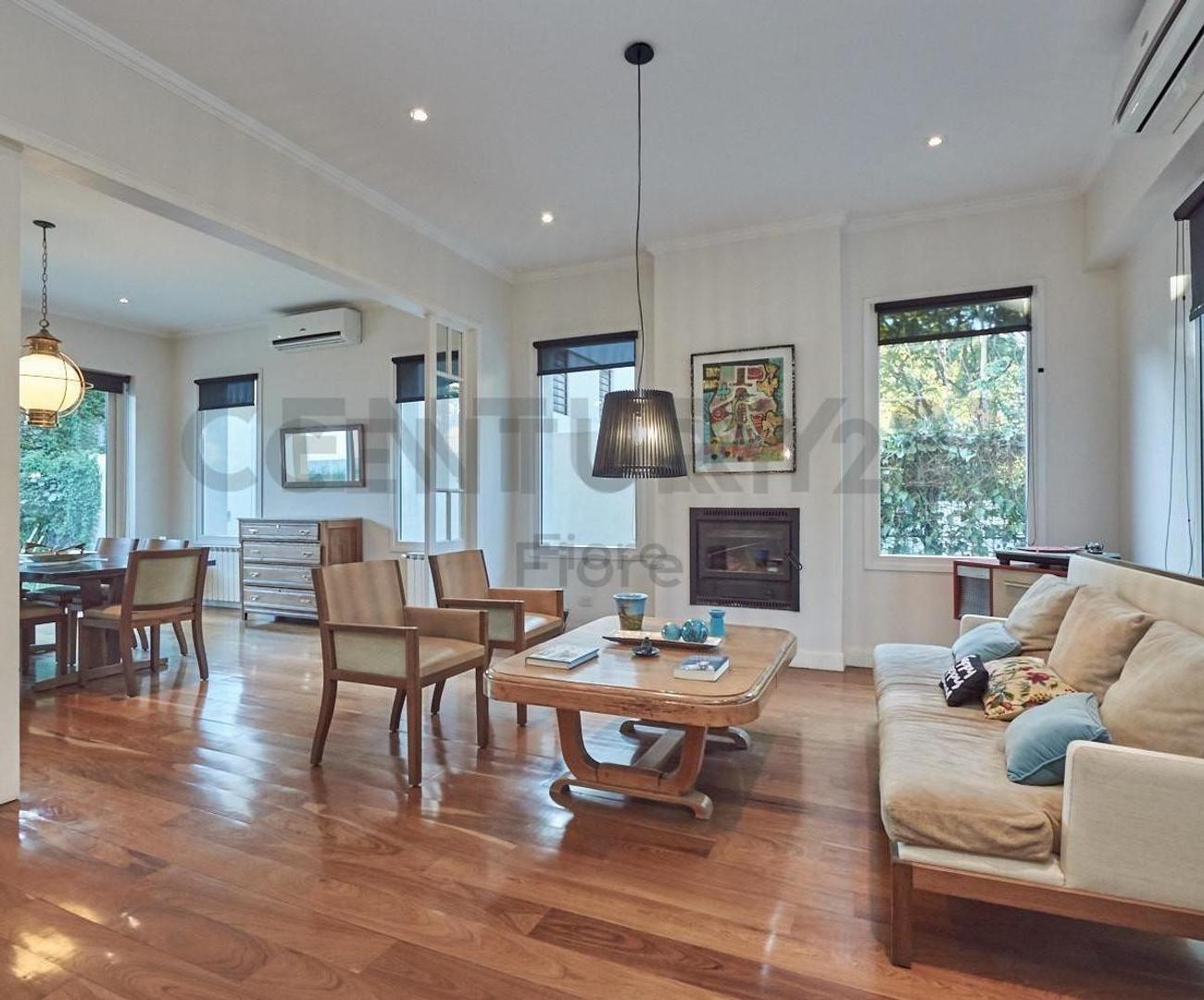 Casa - 420 m² | 5 dormitorios | 4 años