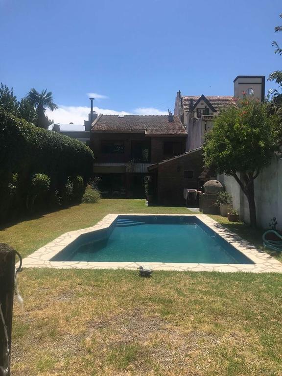 XINTEL(ALV-ALV-3311) Casa - Venta - Argentina, Vicente López - PELLIZA 600