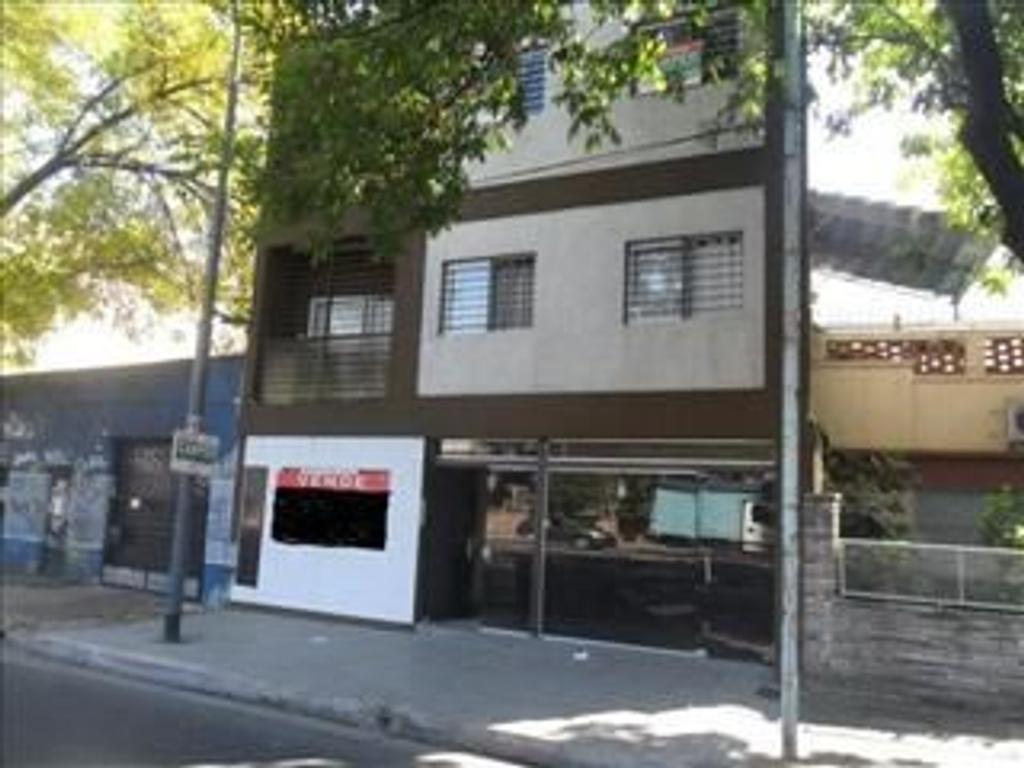 Departamento Tipo Casa en Venta 2 Dormitorios  CON BALCON A LA CALLE