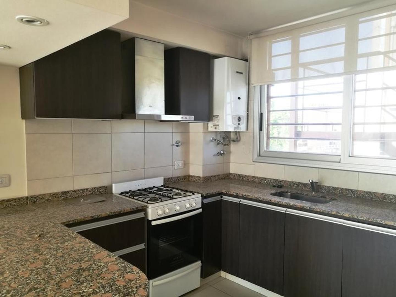 Departamento tipo  Duplex - 3 ambientes c/ cochera - Villa Lynch