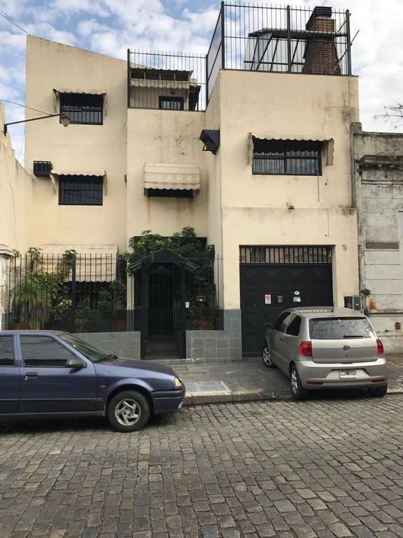 BLOCK DE OFICINAS + DEPOSITO + ARCHIVO + VESTUARIOS + SALÓN COMEDOR + QUINCHO