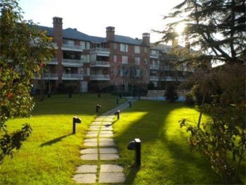 Departamento en alquiler en n avellaneda 1600 jardines for Jardines 6 san isidro