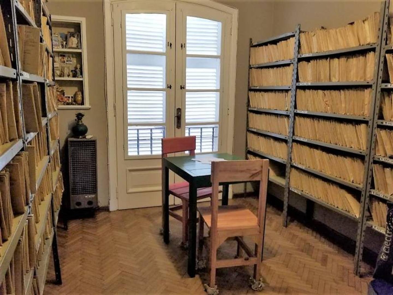 Casa - 260 m²   4 dormitorios   3 baños