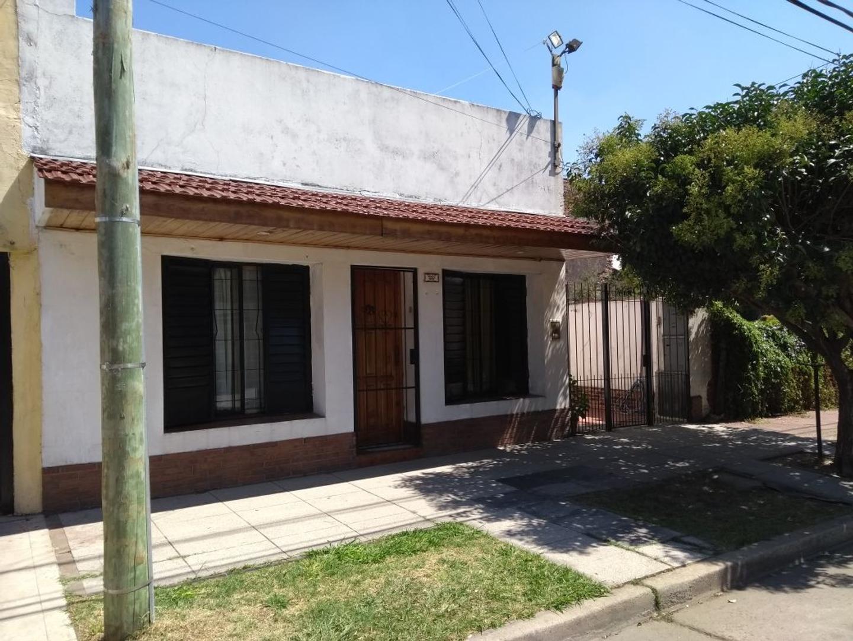 Venta PH Tipo Casa 3 Amb Al Frente - Seneca Al 1900 - Santos Lugares