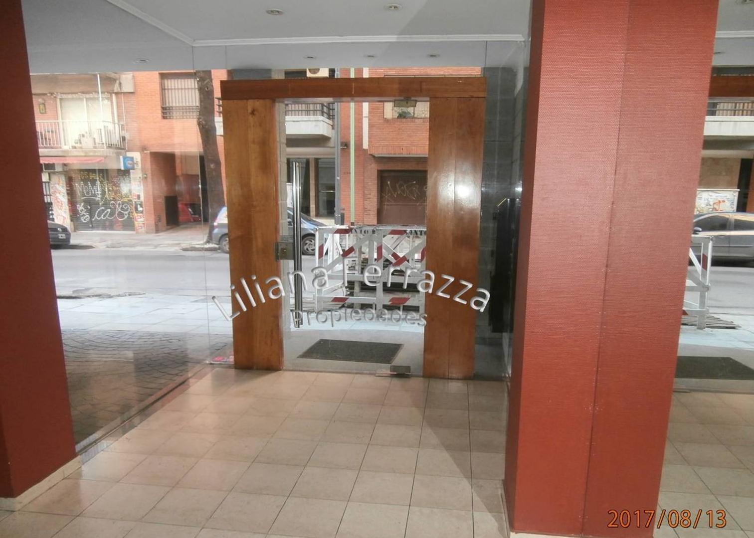 SEMIPISO  2  ambientes balcón al frente   y COCHERA  (opcional)