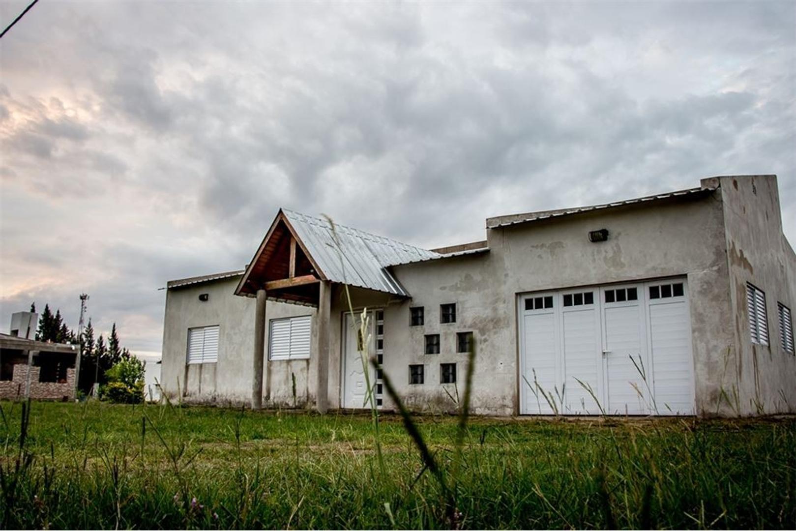 Se vende Casa a estrenar en el Araza
