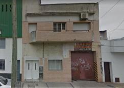 Galpón 220 m2 - Florencio Varela 1670 – Gerli.