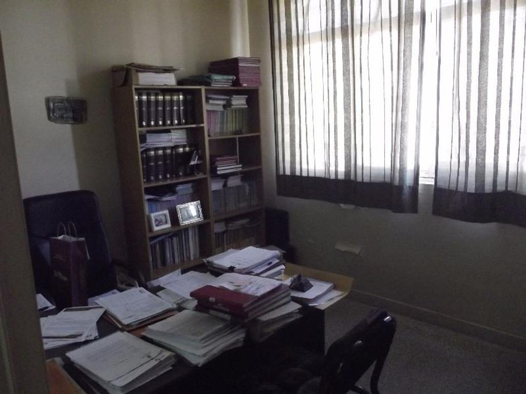 ONCE (Balvanera) OFICINA 30 m2 Av. Corrientes 2300 - Muy luminosa