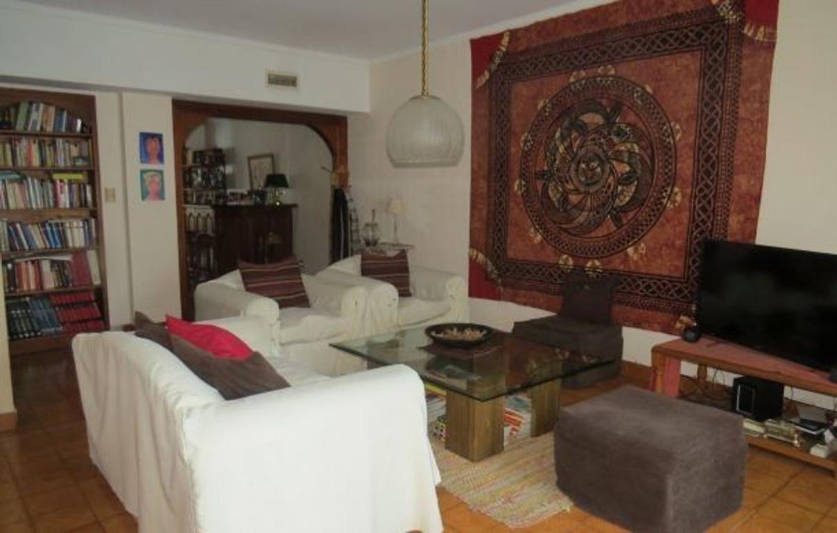 Gran Chalet 5 Ambientes en San Carlos 4 Dorm. - 220 m². 230 m² Cub
