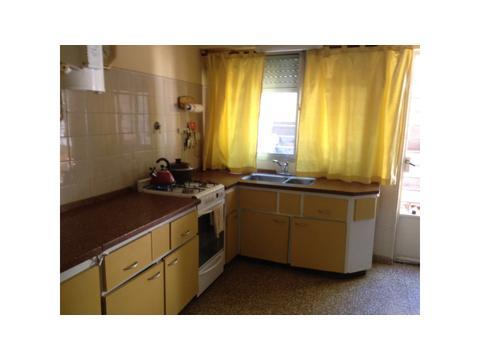 Casa quinta en ALQUILER. de 5 ambientes, como VIVIENDA