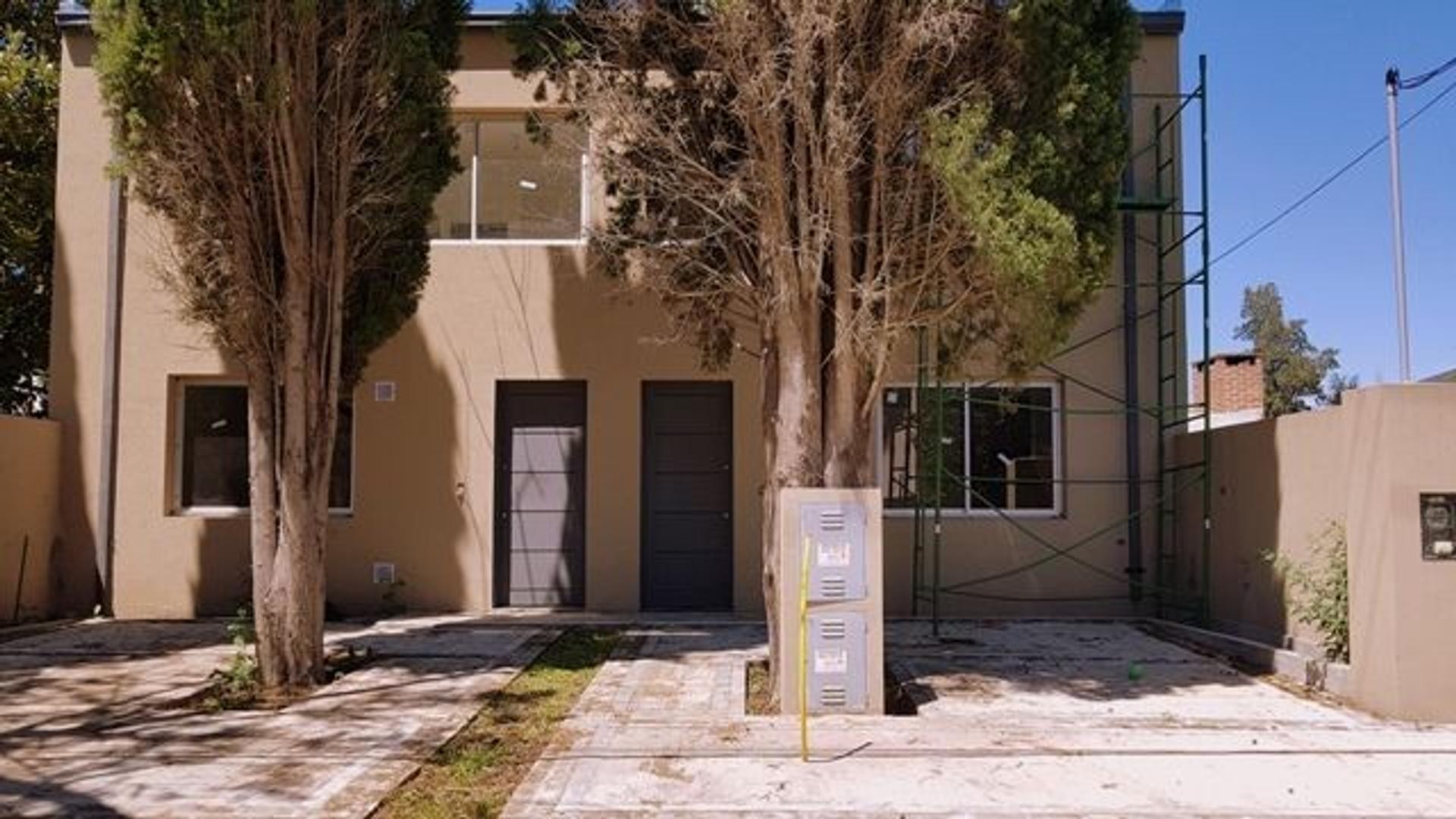 XINTEL(GZI-GZ1-523) Casa - Venta - Argentina, Pilar - BRAUN 1271