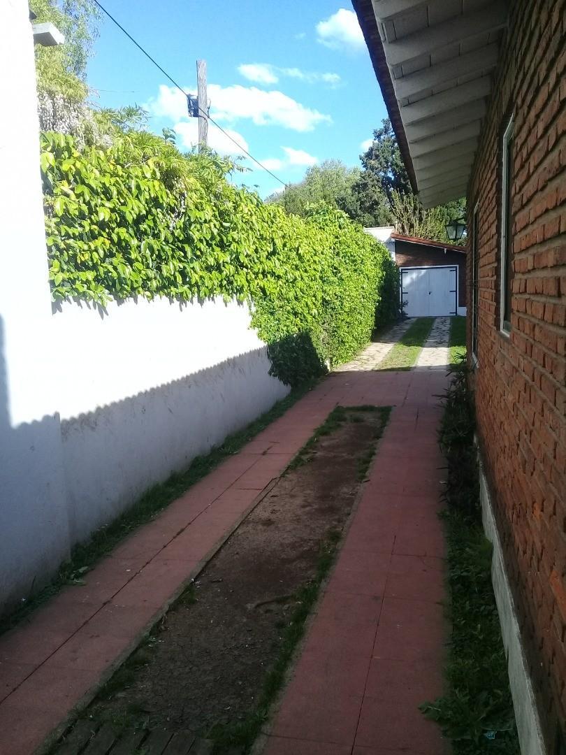 Casa en Alquiler en Jose Marmol - 4 ambientes