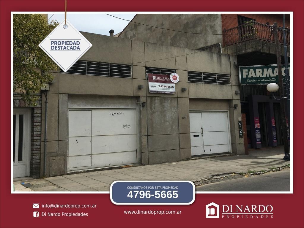 2 locales de 5.76 x 12 Aprox + vivienda 4 ambientes.