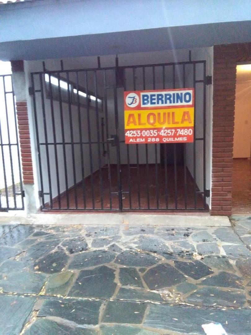 Casa PH de 3 ambientes c/cochera y patio - Larrea al 600, Quilmes Oeste