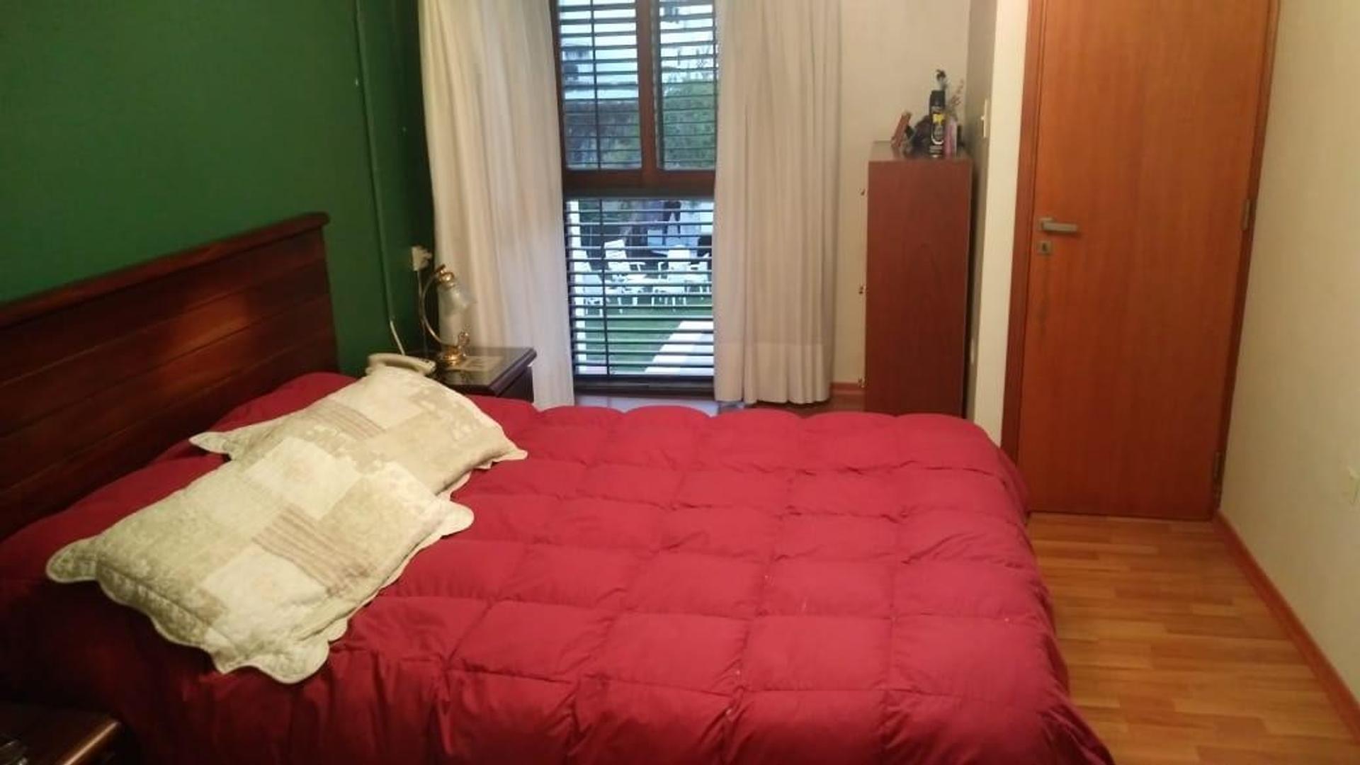 Casa a mts del parque San Martin de 4 dormitorios . - Foto 17