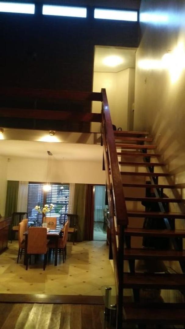 Casa a mts del parque San Martin de 4 dormitorios . - Foto 14